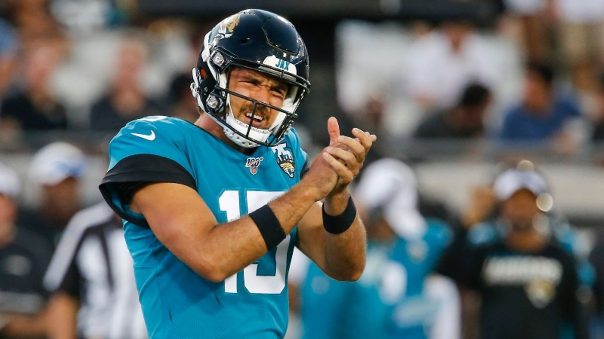 NFL Sharp Report: How Pros Are Betting Bucs-Rams, Jaguars-Broncos article feature image