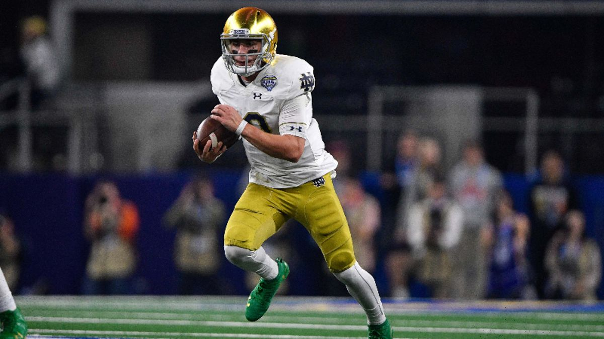 Notre Dame vs. Louisville Sharp Betting: Pros Hitting Spread, Over/Under article feature image