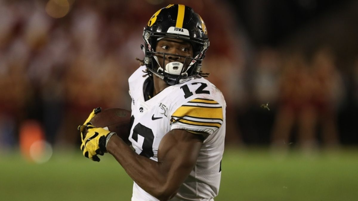 Iowa vs. Middle Tennessee St. Betting Odds & Picks: Can Blue Raiders Hang at Kinnick? article feature image