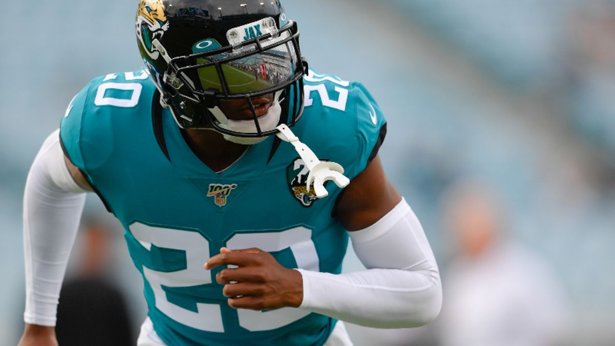Jaguars vs. Texans Betting Odds & Picks: Will Jacksonville's Defense Rebound in Week 2? article feature image