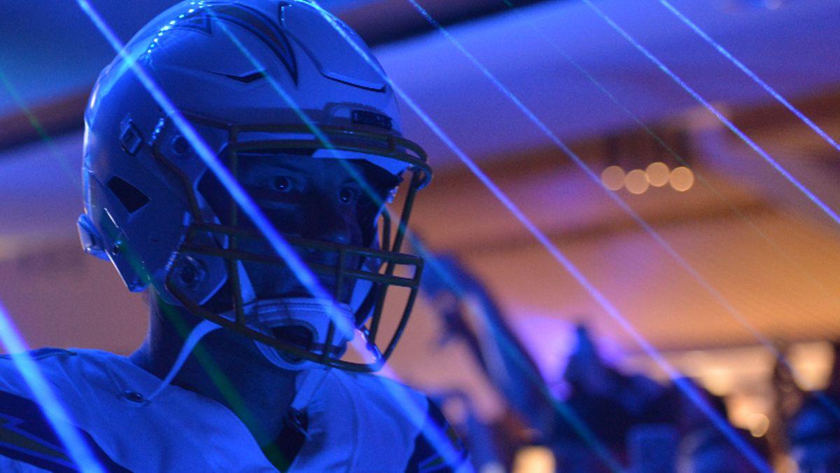 Best NFL Pick 'Em & Survivor Picks for Week 9 article feature image
