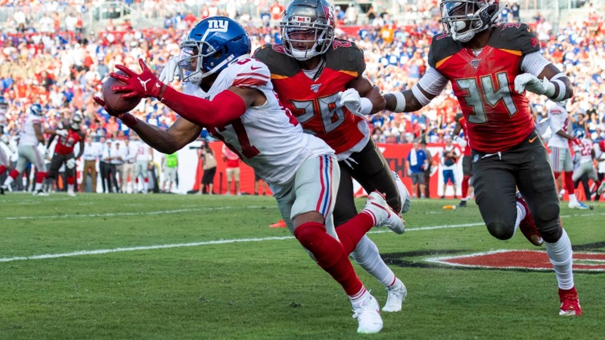 Daniel Jones, Giants More Than Double Playoff Chances with Win Over Bucs article feature image