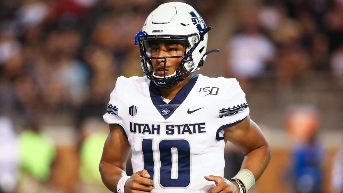 College Football Sharp Betting Report: Pros Hit WVU vs. Kansas, Utah State vs. San Diego State article feature image