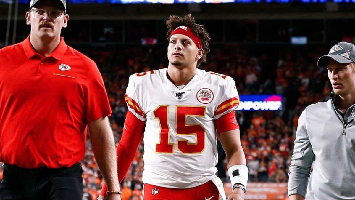 Patrick Mahomes Injury: QB Is Worth 9 Points to the Spread for K.C. article feature image