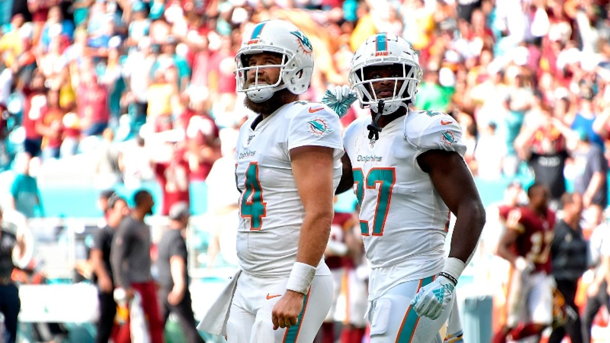 Dolphins vs. Bills Betting Odds, Picks & Predictions article feature image