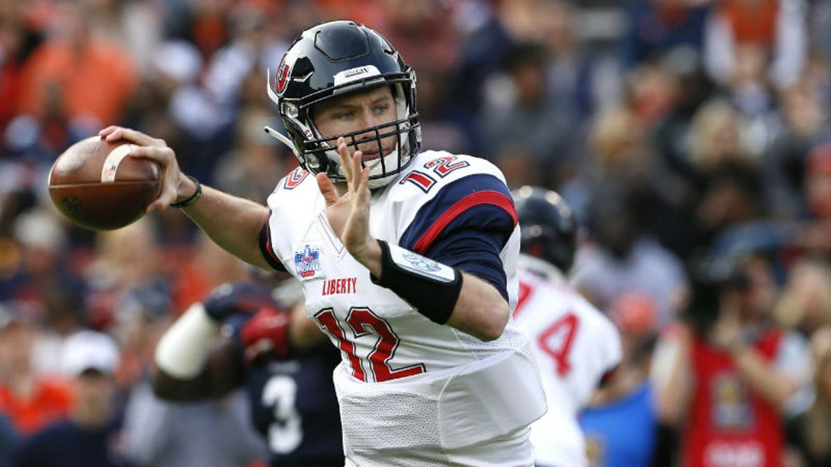 College Football Sharp Report: How Pros Are Betting 4 Saturday Games article feature image