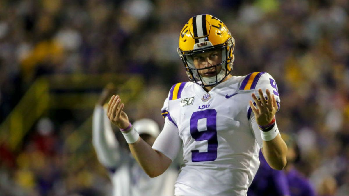 2019 College Football Rankings: Updated AP Poll vs. Our Vegas Power Ratings After Week 7 article feature image