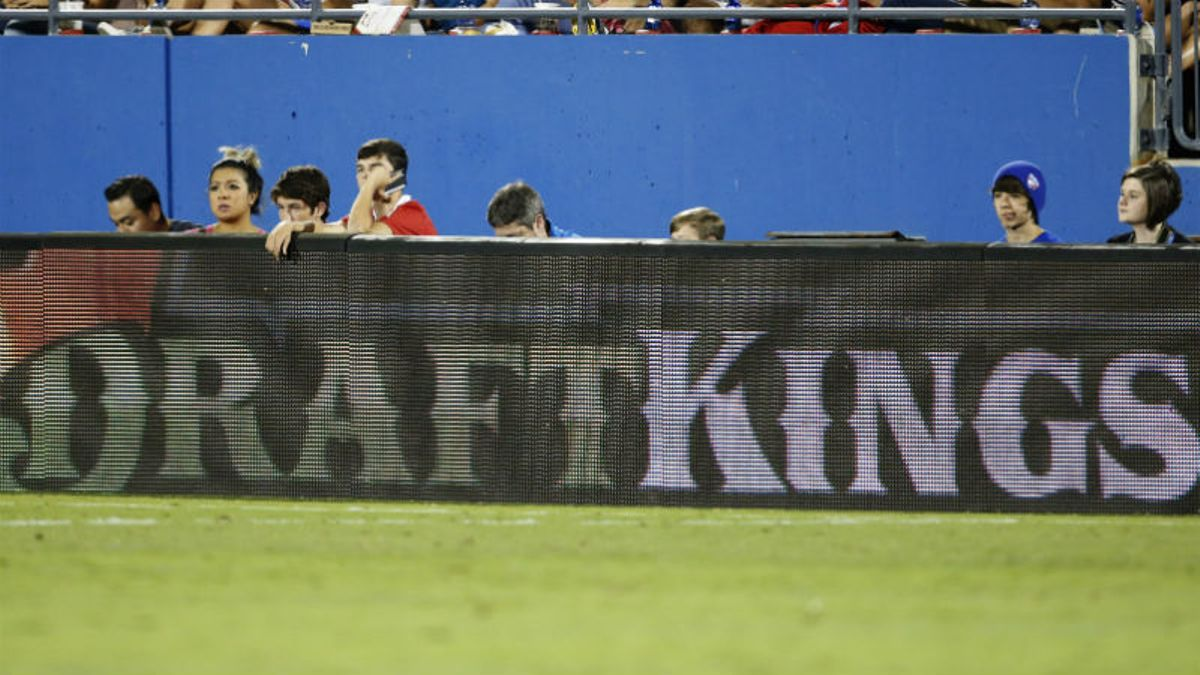 DraftKings Announces Merger, Will Become Public Company Valued at $3.3 Billion article feature image