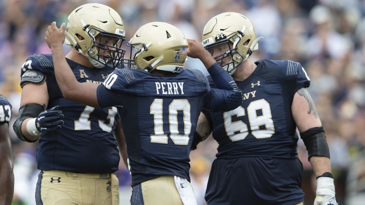 Navy vs. Air Force Betting Odds & Picks: Another Service Academy Under? article feature image