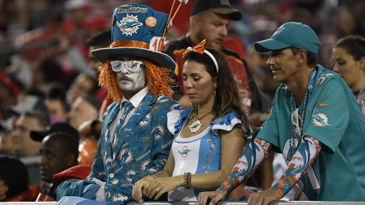 Rovell's Weekly Water Cooler: The 2019 Dolphins Break Every Model article feature image