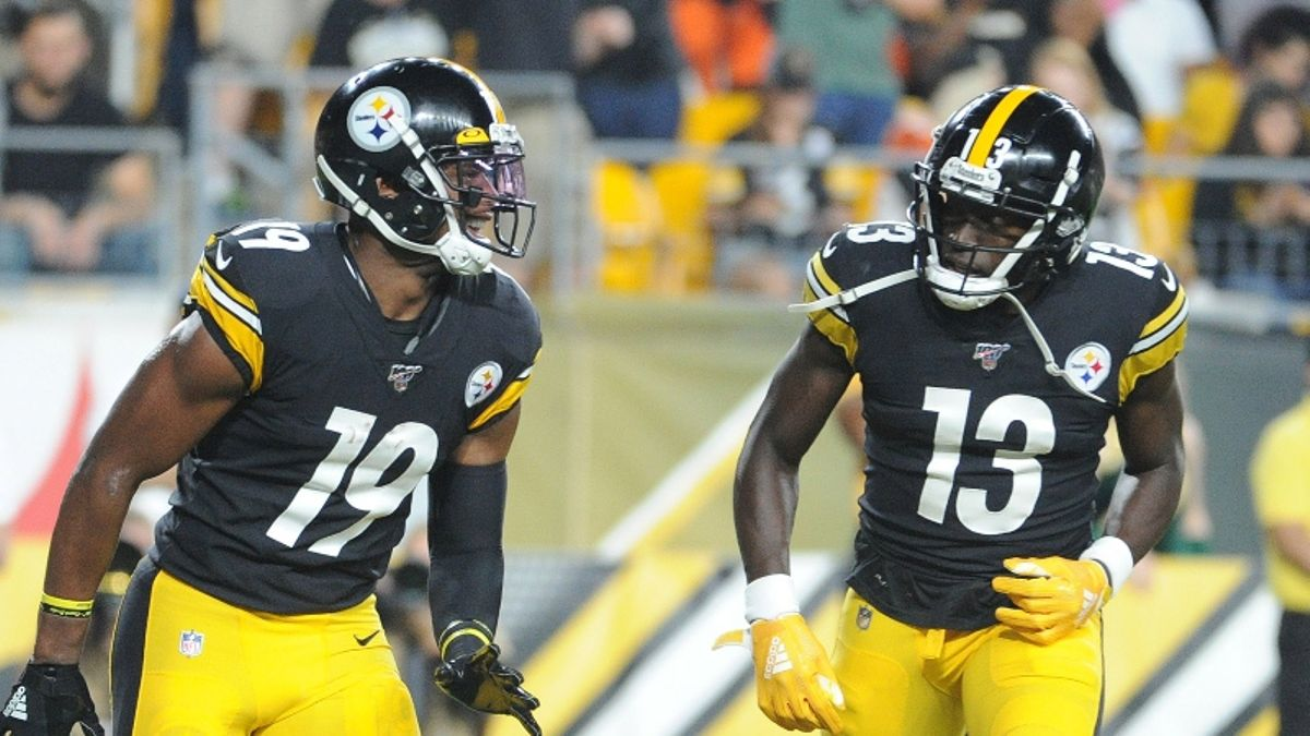 Dolphins vs. Steelers Expert Picks: How We're Betting Monday Night Football article feature image