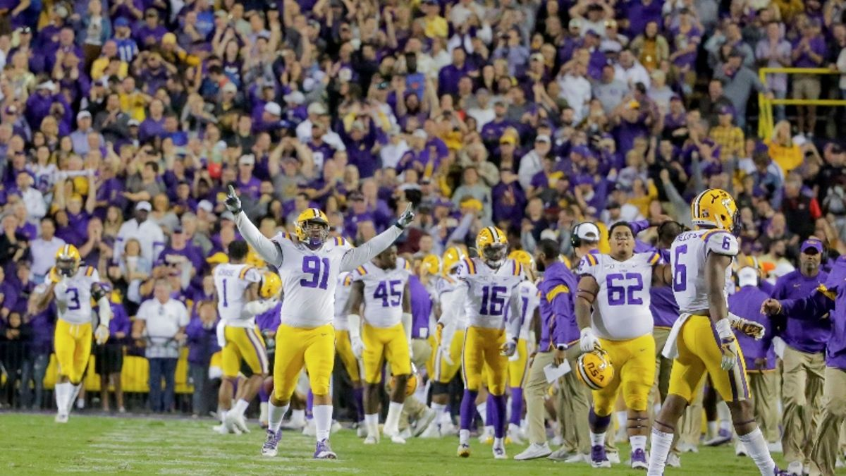 Bomb Threat at LSU-Florida an Attempt to Stop Losing Bet, Report Says article feature image