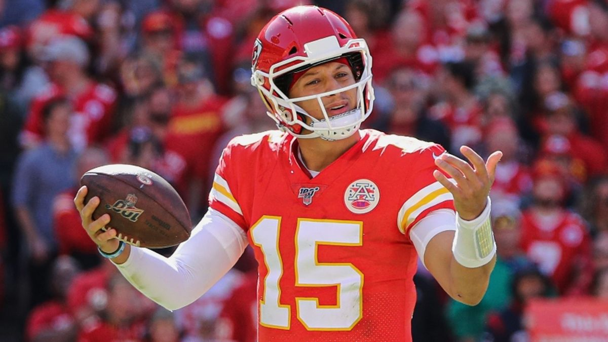 Early Sharp Action Hitting Chiefs vs. Broncos on Thursday Night Football article feature image