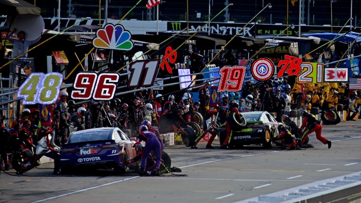 NASCAR Martinsville Odds & Picks: The Driver to Bet for Today's First Data 500 article feature image