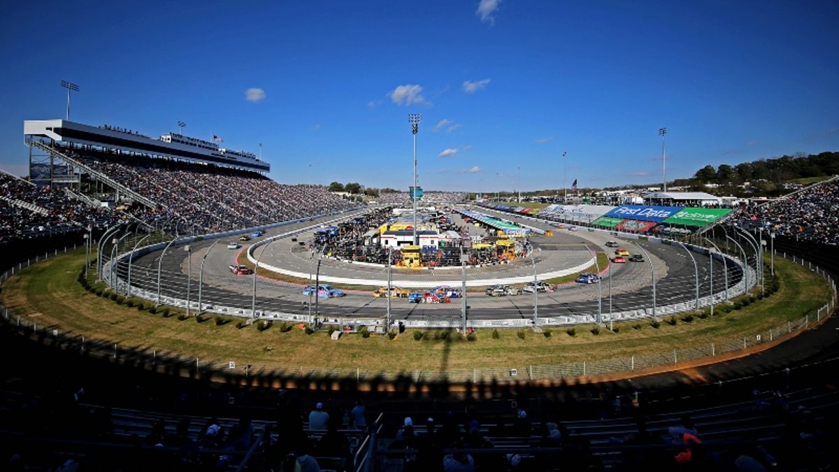 NASCAR at Martinsville Picks: An Early Group Bet for Sunday's First Data 500 article feature image