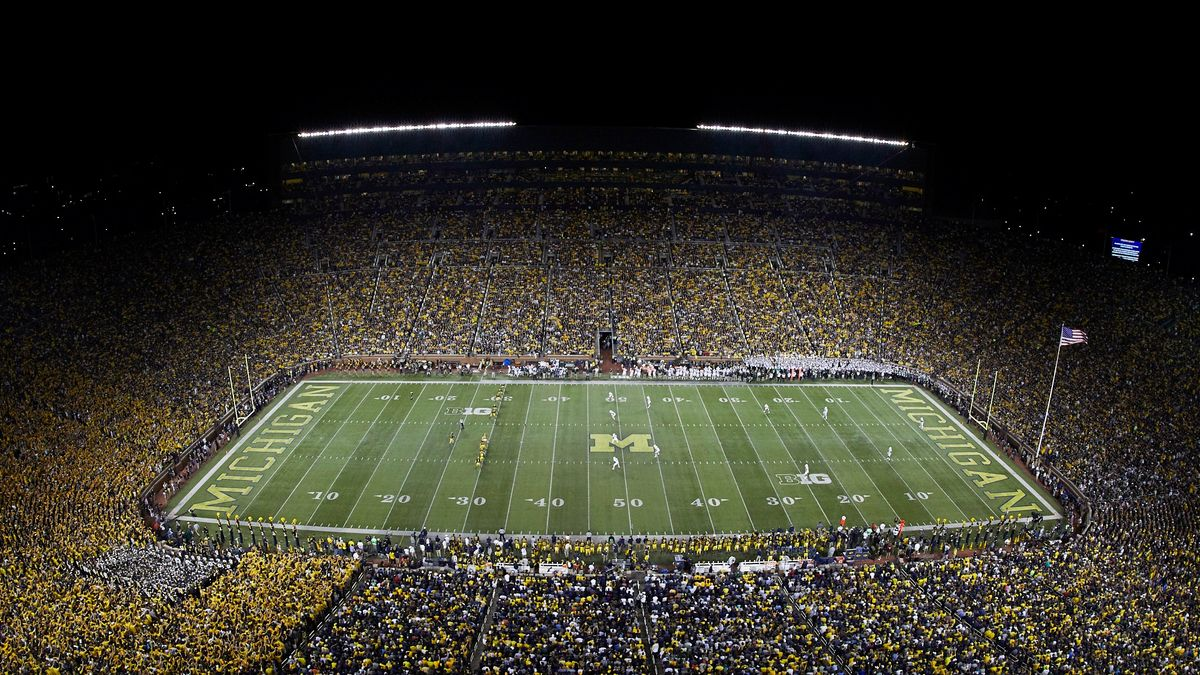 Notre Dame-Michigan Odds, Total Impacted by Windy Weather article feature image
