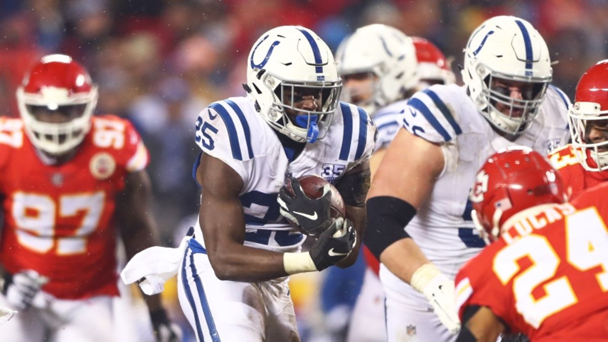 Koerner: How I'm Looking to Live Bet Colts-Chiefs article feature image