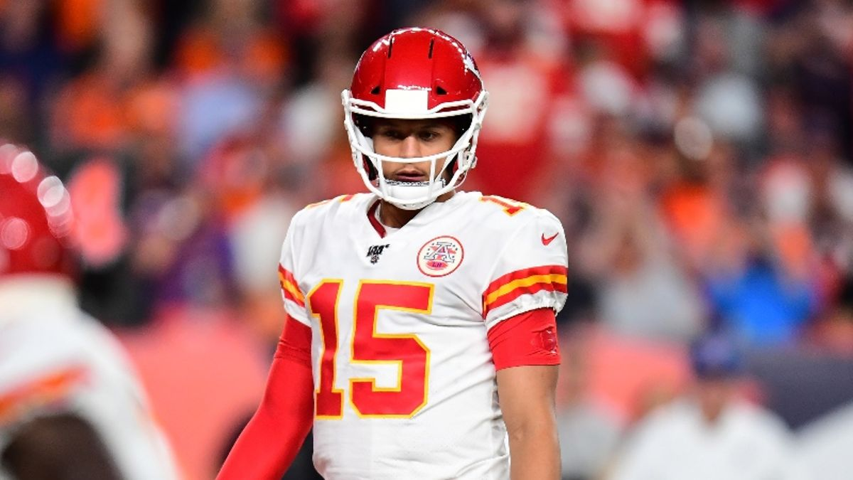 Chiefs vs. Titans Odds & Picks: KC Overvalued with Patrick Mahomes' Return? article feature image