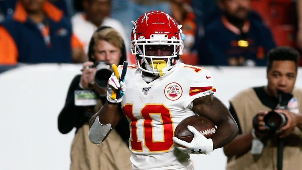 Packers vs. Chiefs Odds, Picks & Sunday Night Football Betting Predictions article feature image
