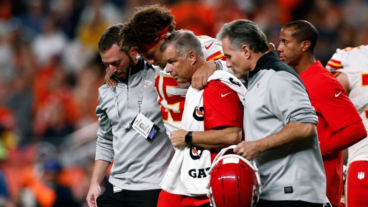 Chiefs Still Among Super Bowl Favorites Despite Mahomes Injury article feature image