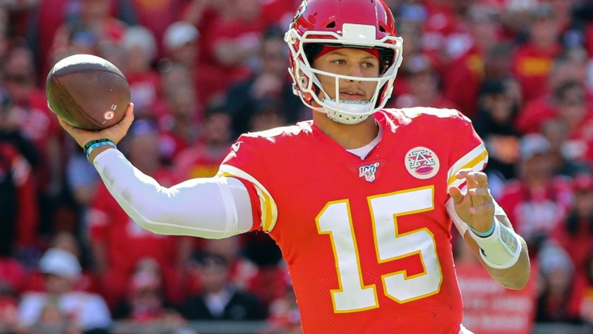 Chiefs vs. Chargers Betting Odds & Picks: L.A. Have A Chance on MNF? article feature image