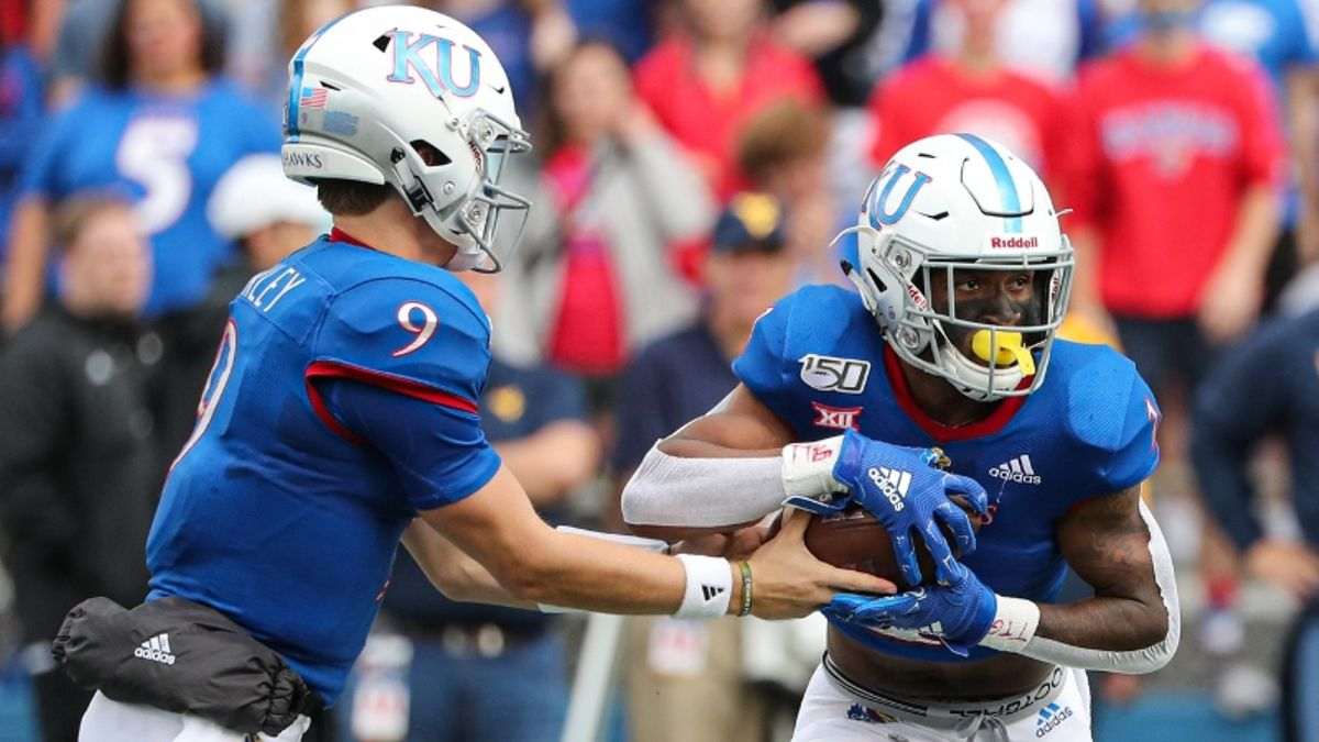 Wilson: Early College Football Week 8 Betting Picks, Including Kansas-Texas article feature image