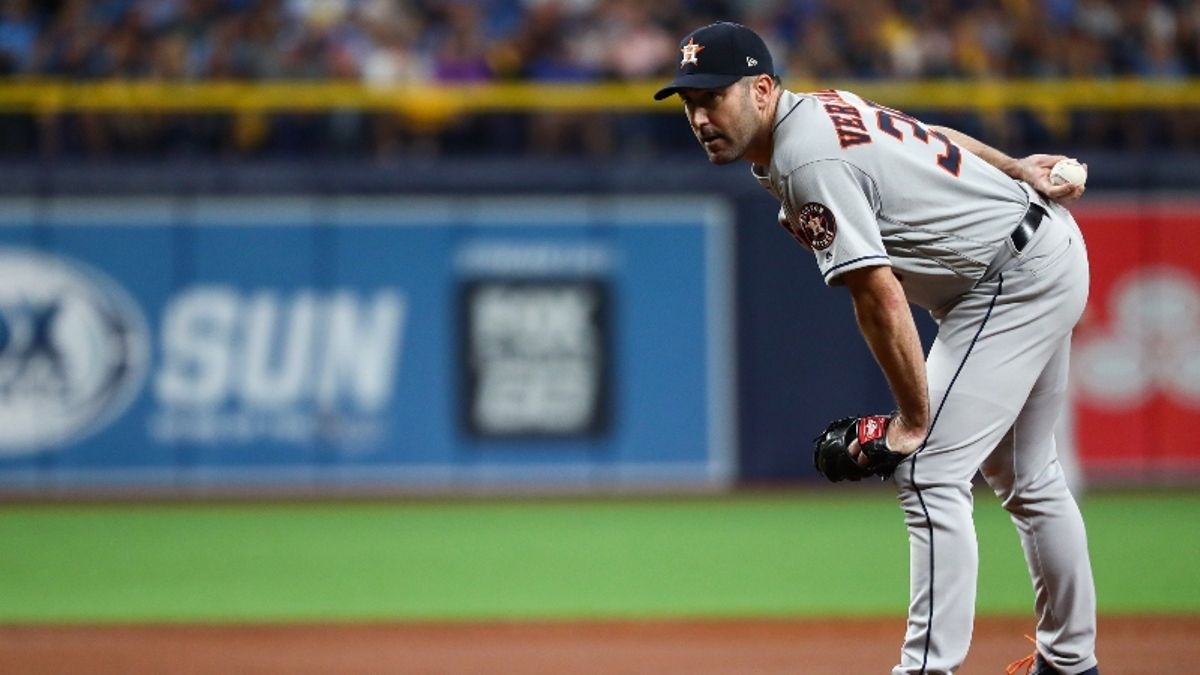 Astros vs. Yankees ALCS Game 2 Betting Picks, Odds & Predictions: Can Verlander Bounce Back? article feature image