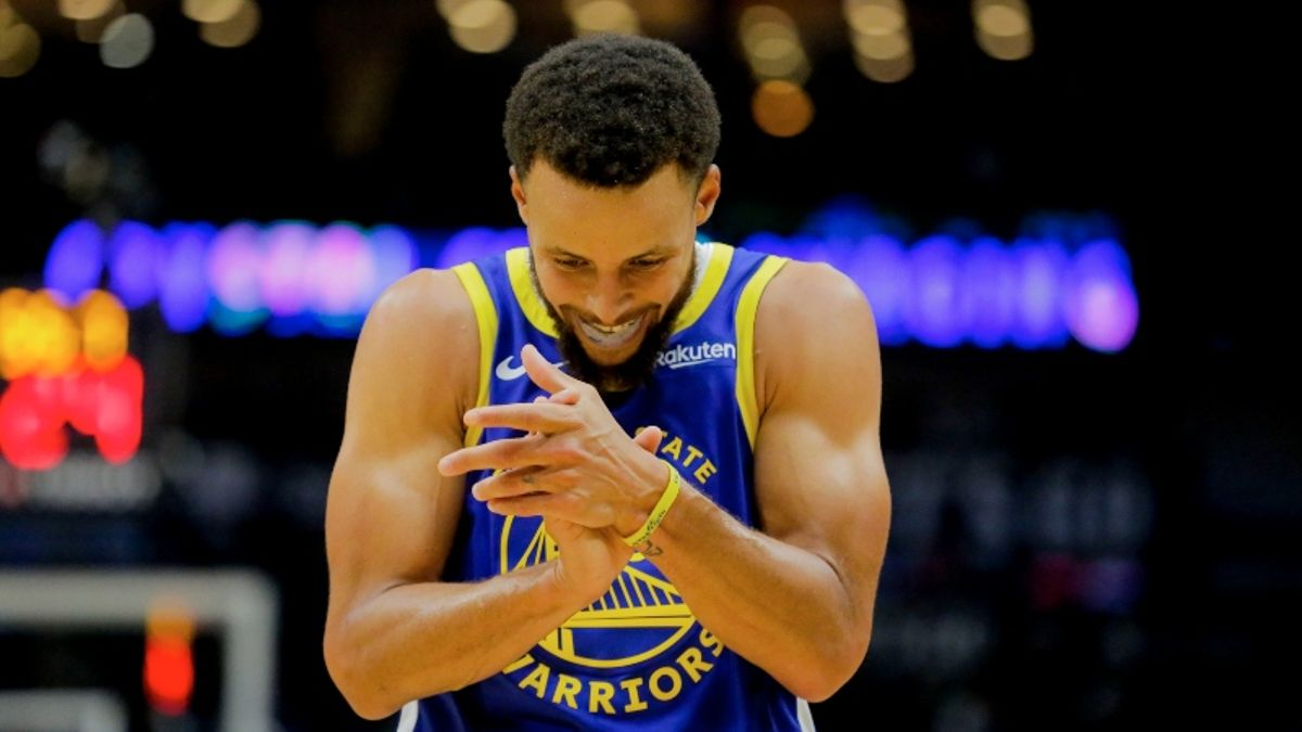 Spurs vs. Warriors Betting Odds: What Will Golden State Look Like Without Curry? article feature image