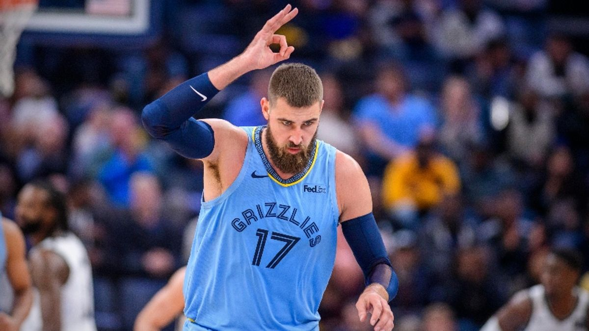 Saturday's 3 Best NBA Player Props: Bet on Valanciunas for Shorthanded Grizz? article feature image