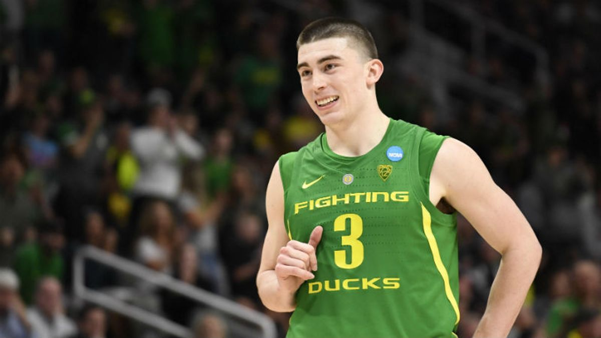 Tuesday College Basketball Betting Odds & Picks: How to Play Fresno State-Oregon, Montana State-Utah State article feature image