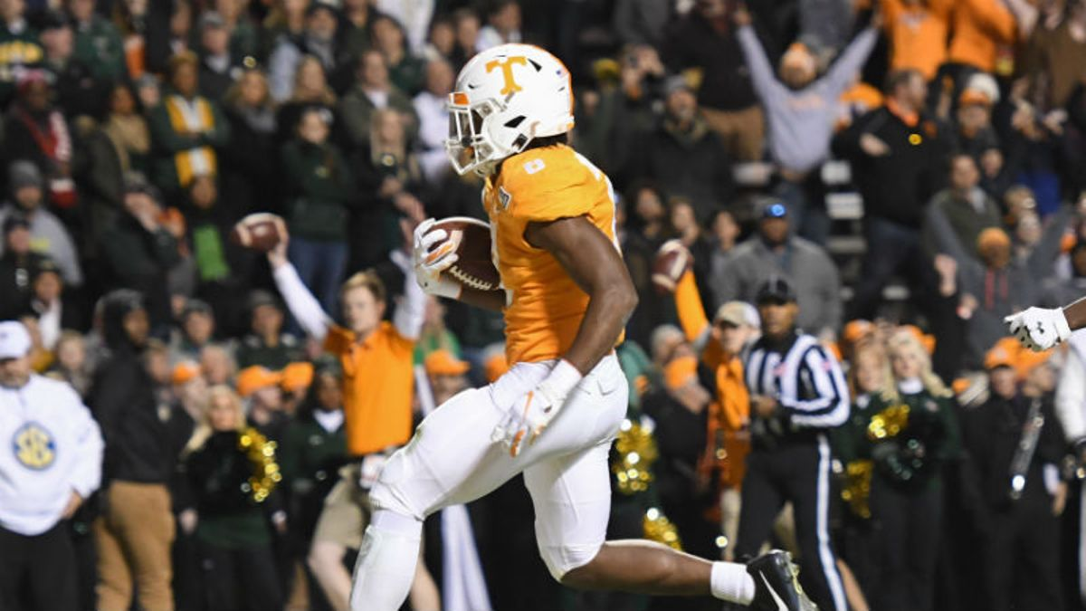 Tennessee vs. Kentucky Odds & Pick: Can Vols Stop Wildcats' Ground Attack? article feature image