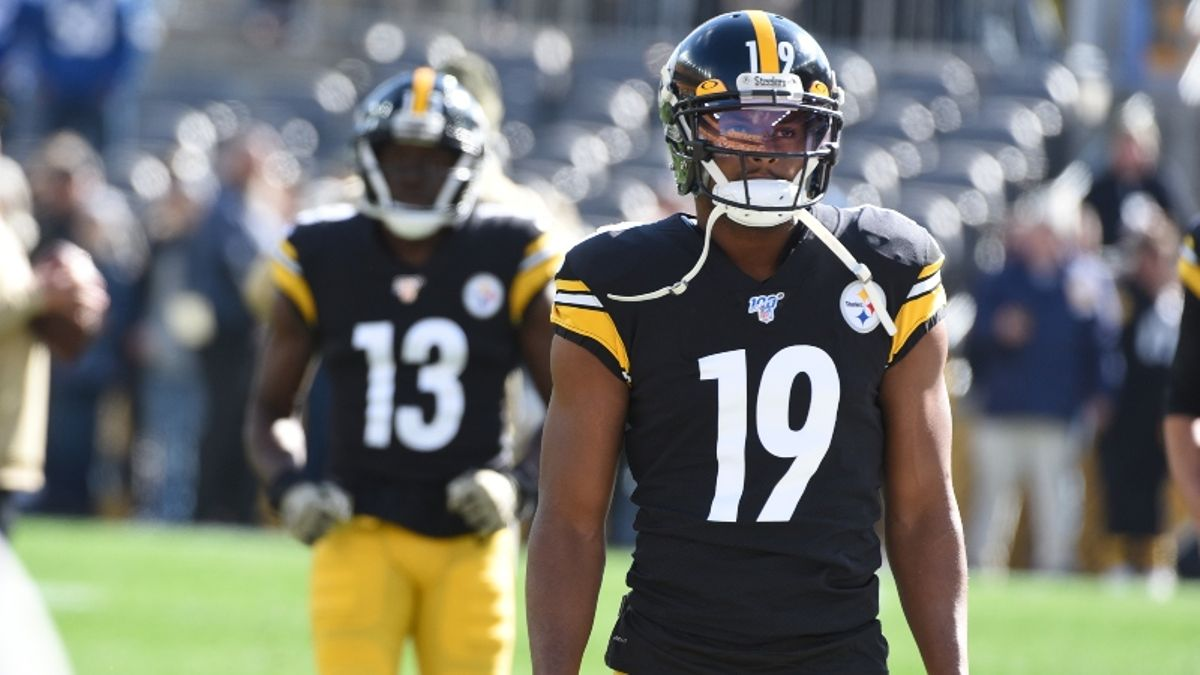 Fantasy Football Injuries: Le'Veon Bell & JuJu Smith-Schuster Rankings, Backup Plans, More article feature image