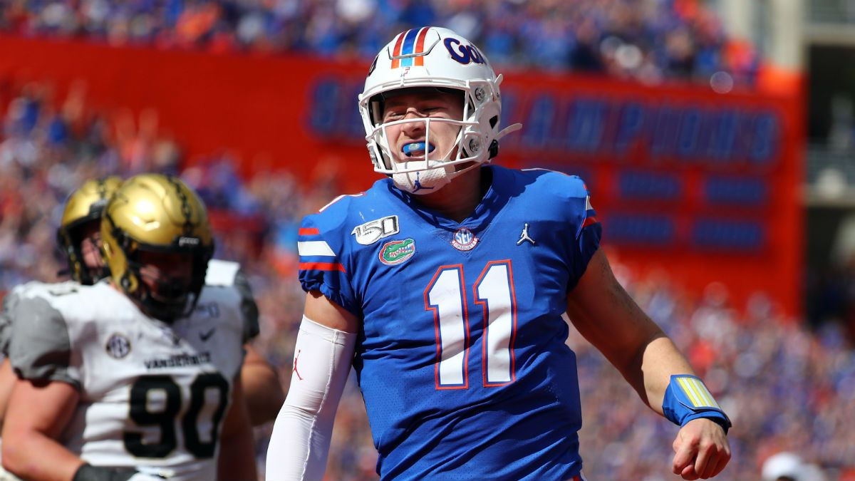 College Football Betting Picks (November 30): Our Staff's 6 Best Bets for Saturday Week 14 article feature image