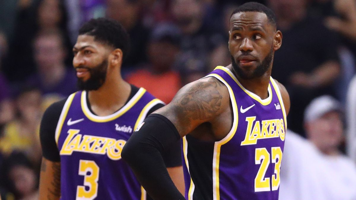 Friday NBA Odds & Picks (Nov. 15): Betting Analysis, DFS Strategies, Injury News, More article feature image
