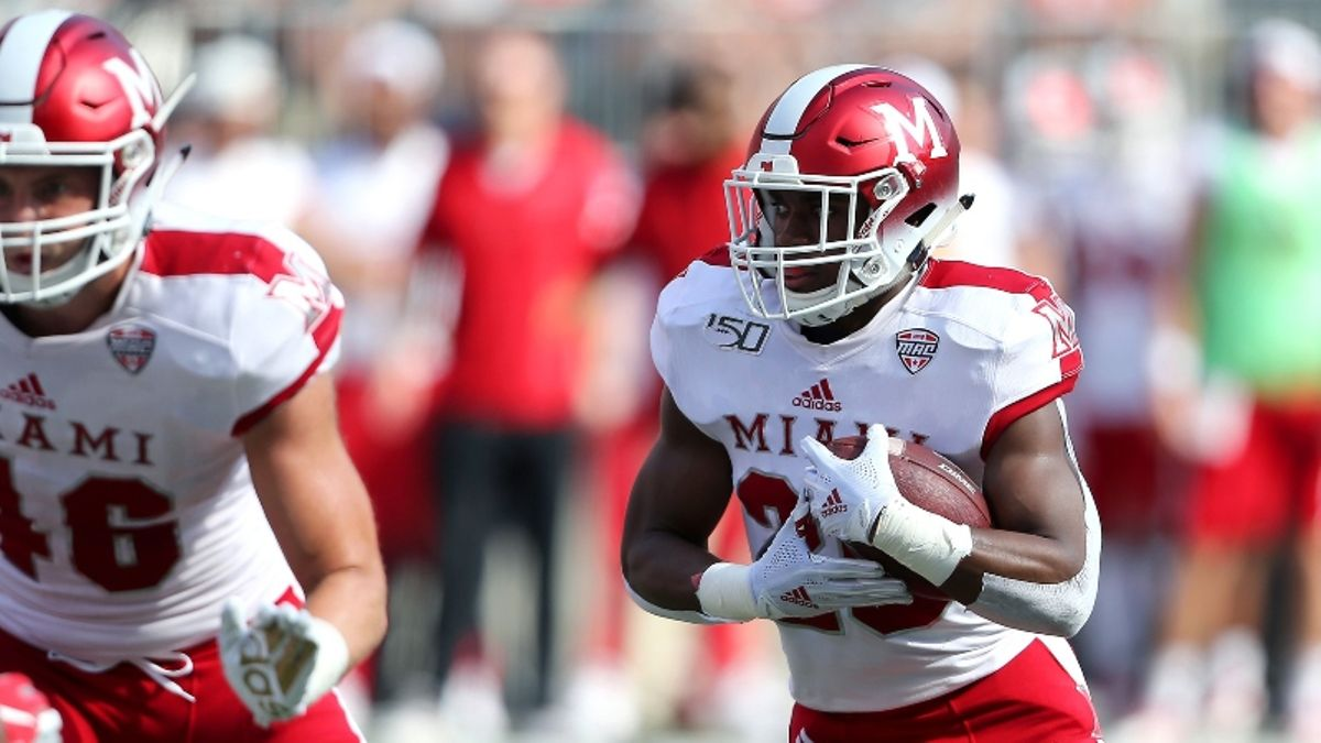 Wednesday College Football Betting Odds, Picks & Predictions for Toledo-Buffalo & Akron-Miami article feature image