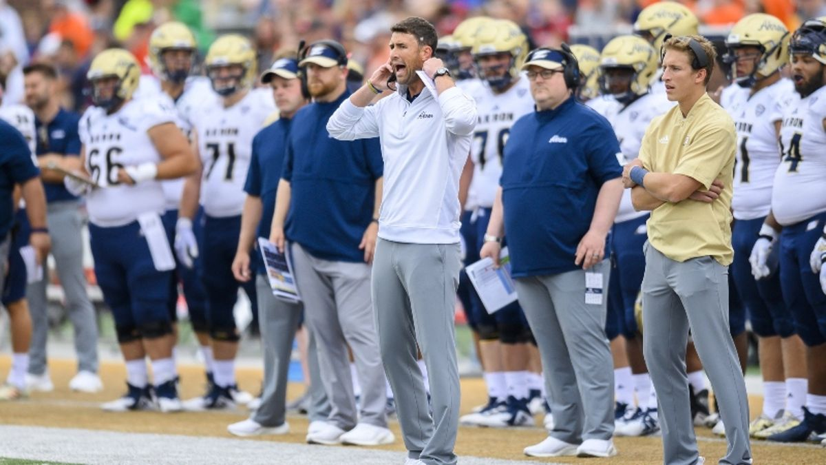 Akron vs. Miami (Ohio) Picks, Predictions & Betting Odds: Will the Zips Continue to Fail to Cover the Spread? article feature image