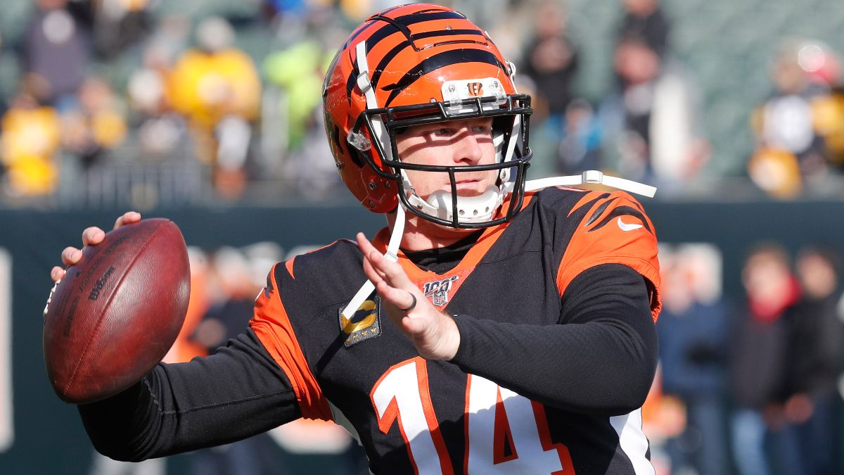 Jets vs. Bengals Betting Picks, Predictions & Odds: Will Andy Dalton Make the Difference? article feature image