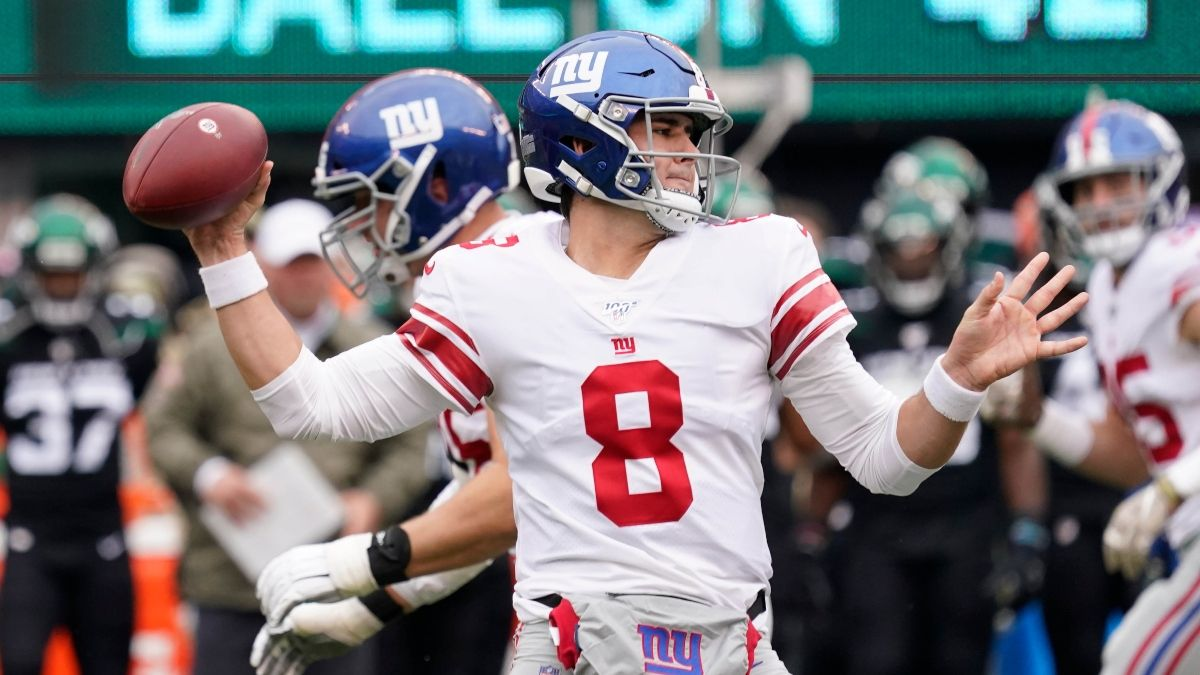 Giants vs. Bears Picks, Predictions & Betting Odds: Can You Trust Chicago's Lifeless Offense? article feature image