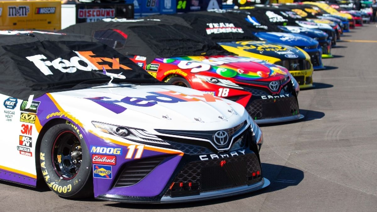 NASCAR at Phoenix Picks: 3 Best Bets to Win the Bluegreen Vacations 500 article feature image
