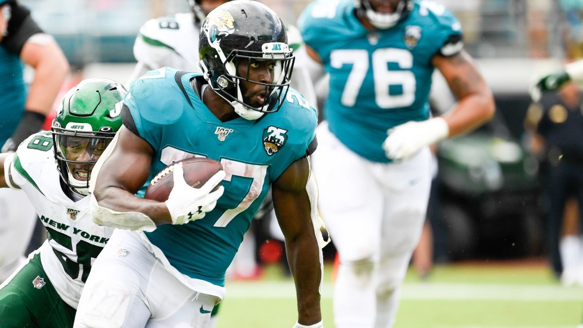 Jaguars vs. Titans Picks, Predictions & Betting Odds: An Over/Under Angle article feature image
