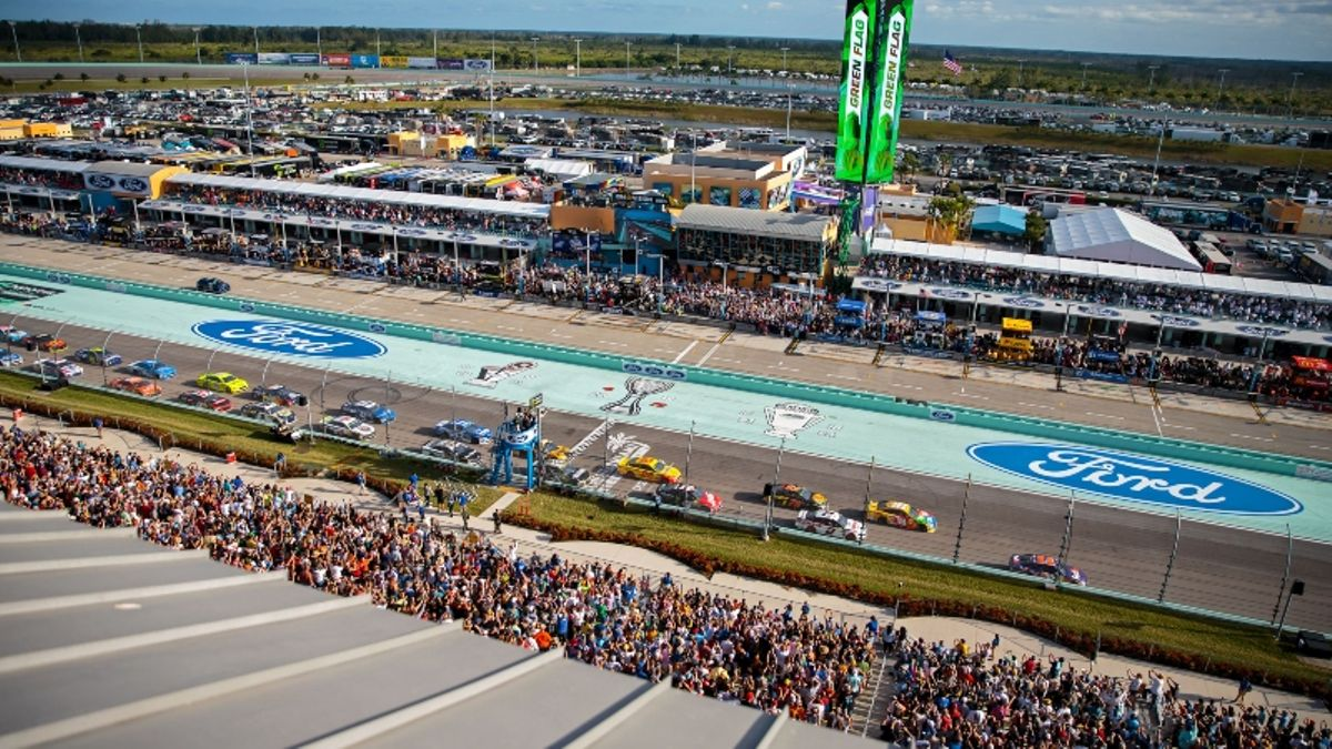 NASCAR at Homestead Odds, Picks: 2 Prop Bets for Today's Ford EcoBoost 400 article feature image