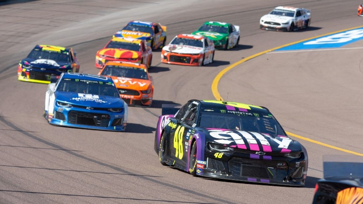 The 50-1 NASCAR Longshot to Bet Early for Sunday's Bluegreen Vacations 500 article feature image