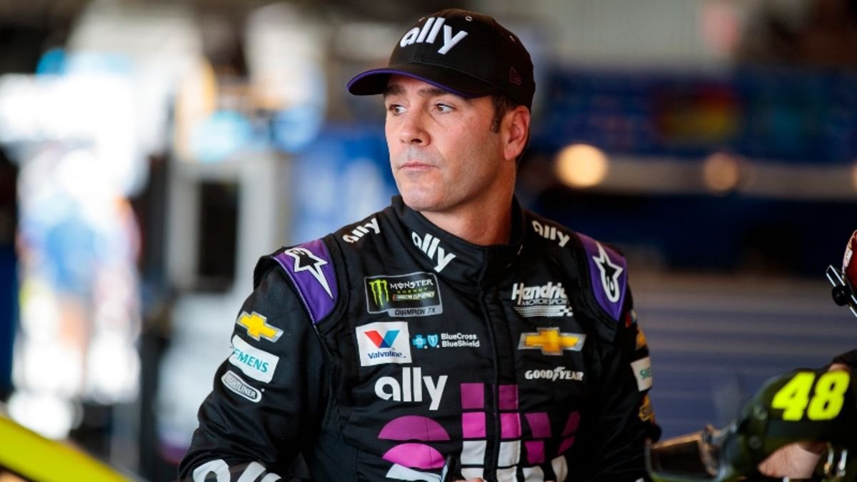 Jimmie Johnson Retirement: Vegas Odds Project Title Chances in Final NASCAR Season article feature image