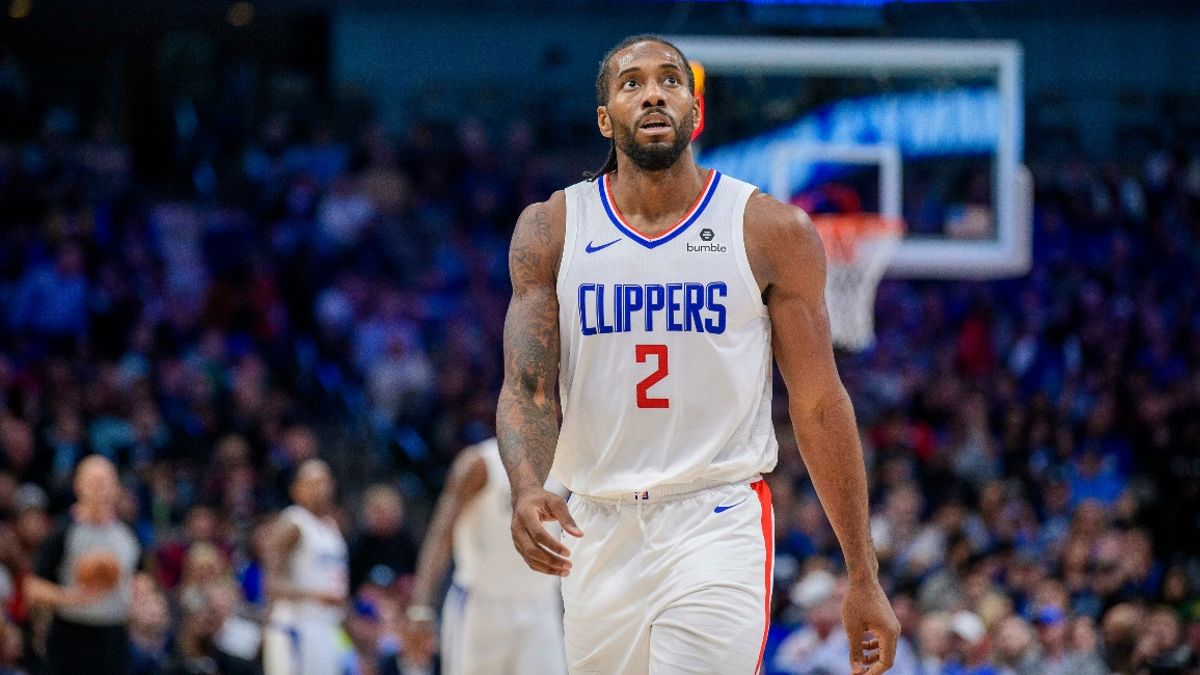 Friday's NBA Expert Picks & Predictions: How to Bet 76ers vs. Knicks, Clippers vs. Spurs article feature image