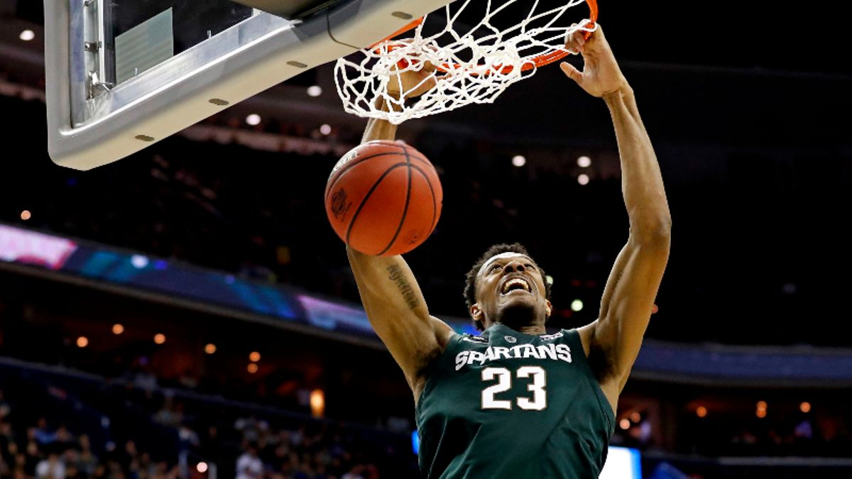 College Basketball Betting Odds & Picks: Michigan State vs. Kentucky, Duke vs. Kansas article feature image