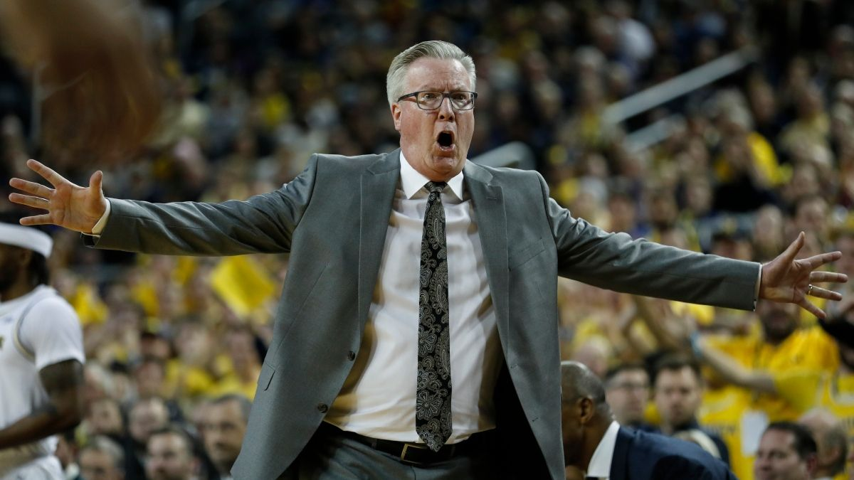Minnesota vs. Iowa Odds & Sharp Betting Pick: Big Wagers Moving College Basketball Spread article feature image