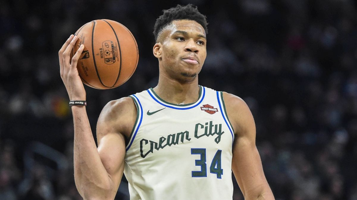 Thursday's 3 Best NBA Player Props: Fade Giannis Against LeBron? article feature image