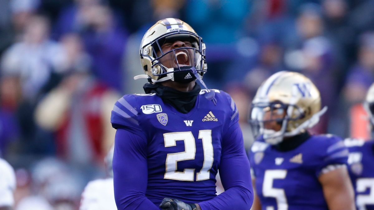 College Football Bowl Game Odds, Picks, Predictions: How to Bet All 6 Saturday Bowls article feature image