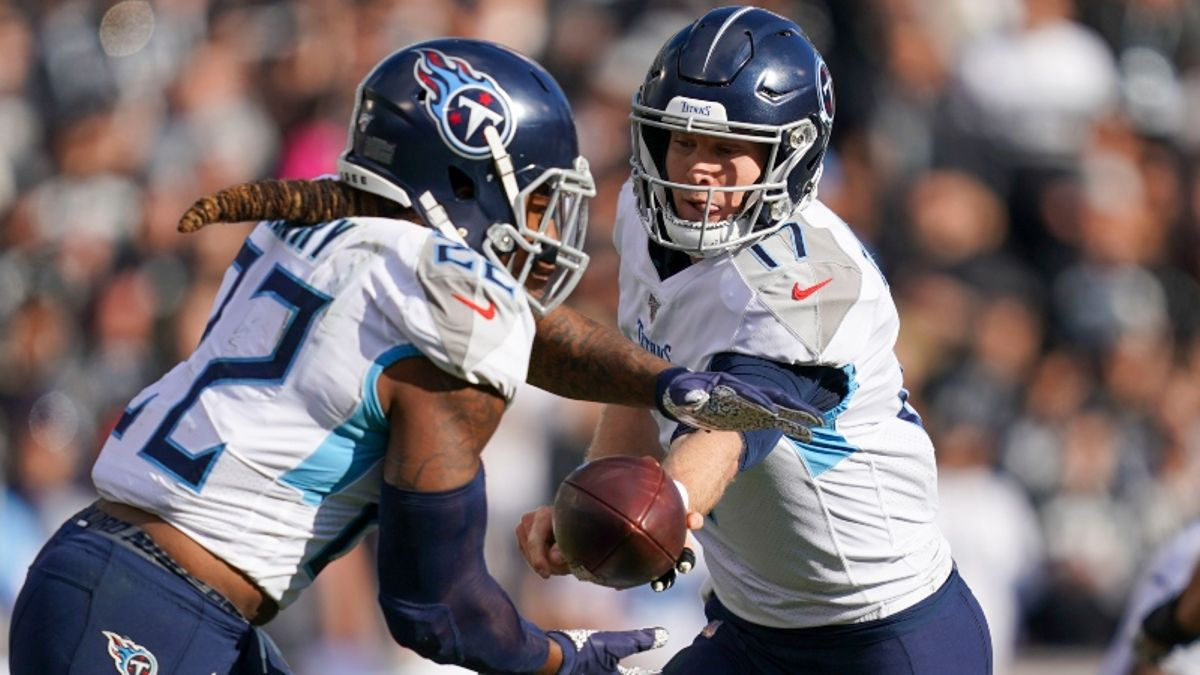 Fantasy Football Injuries & Inactives: Derrick Henry, Josh Jacobs Rankings, Backup Plans, More article feature image
