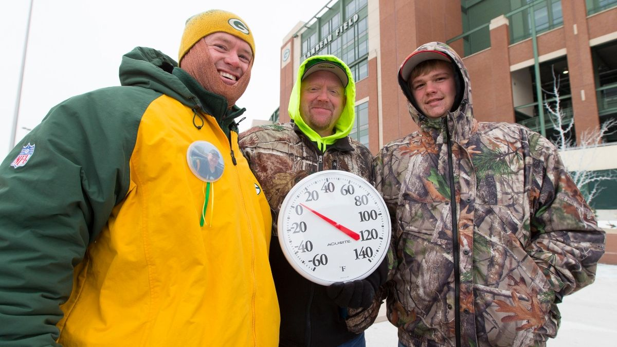 Updated Bears vs. Packers Weather Forecast: Expect Frigid Temperatures at Lambeau Field article feature image